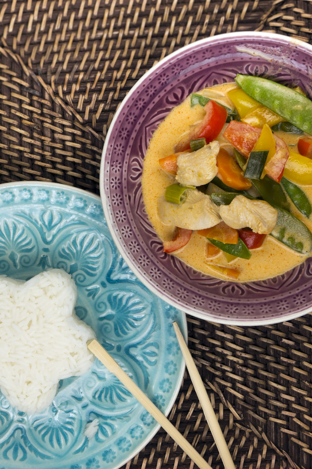 Red Thai curry with chicken, mangetout, bamboo shoots and peppers